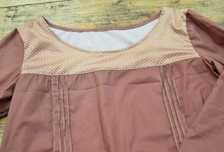 blouse à petits plis
