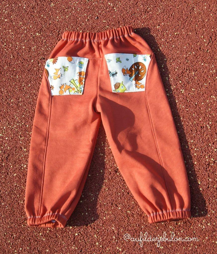 Un pantalon en molleton pour Pti Piou mais pas un jogging